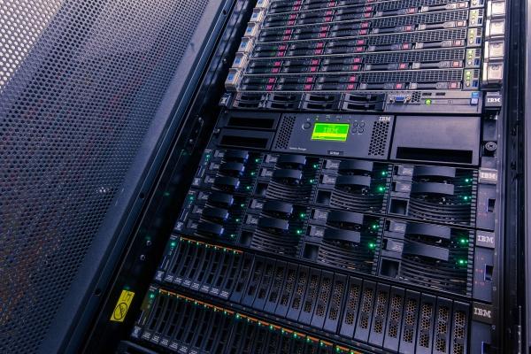 Osiem jednostek naukowych z zaawansowanymi usługami obliczeniowymi HPC