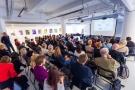 Powiększ zdjęcie: Goście licznie przybyli na uroczystość promocji publikacji i spotkanie z autorami - fot.M.Zięba