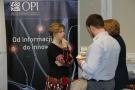 Powiększ zdjęcie: Małgorzata Wartacz wspiera Elenę Niemirską w rozmowach z przedstawicielami uczelni